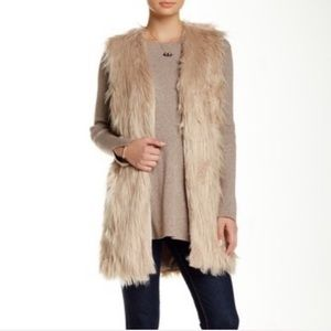 Ro & De furry vest